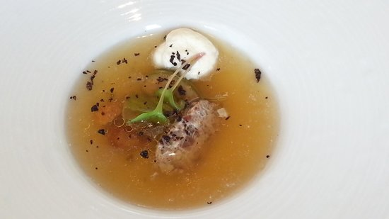 Caprice (Central): beef consomme