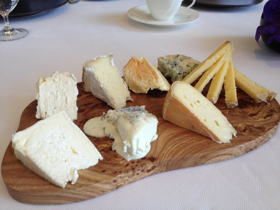 Caprice (Central): cheese selection