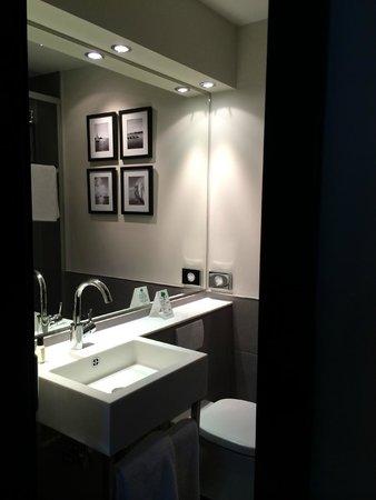 Hotel Hamburger Hof: Il bagno