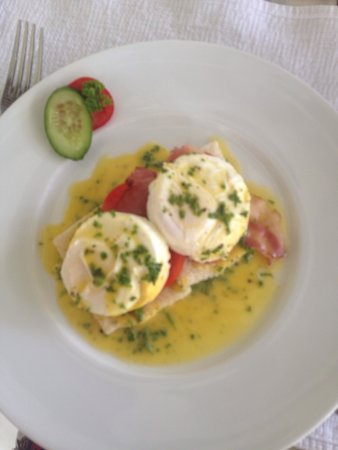 W15 Escape: Breakfast benedict eggs