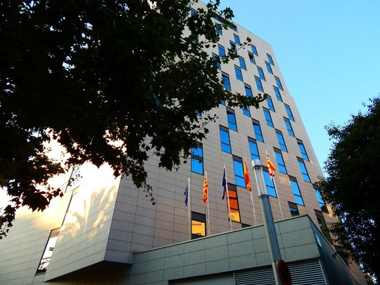 Four Points by Sheraton Barcelona Diagonal: Hotel from the outside