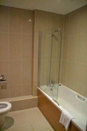 Your Home from Home - Southdock: cuarto de baño pequeño.