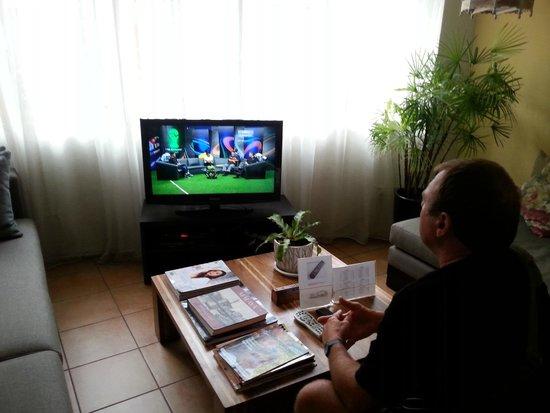 Orange Pekoe Guesthouse : Lounge with TV Orange Pekoe GH