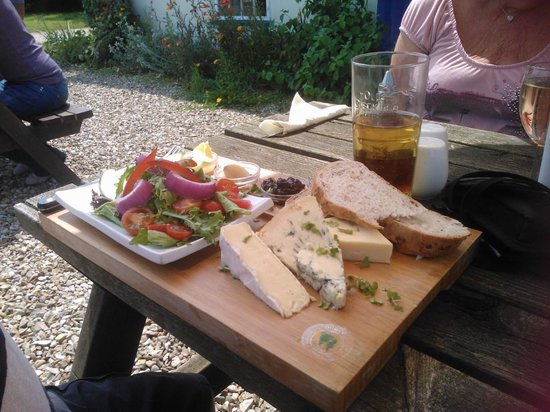 The Blue Bell Inn: lunch 2013