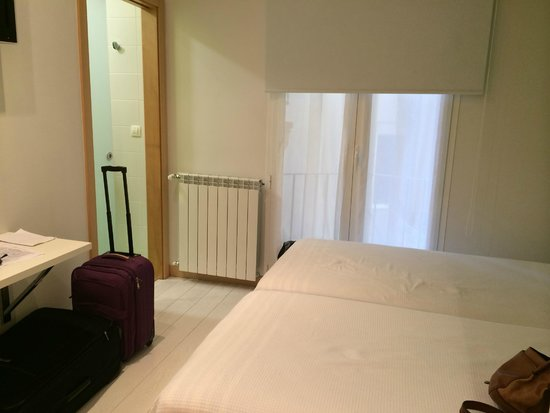 C7 Guest House: Room