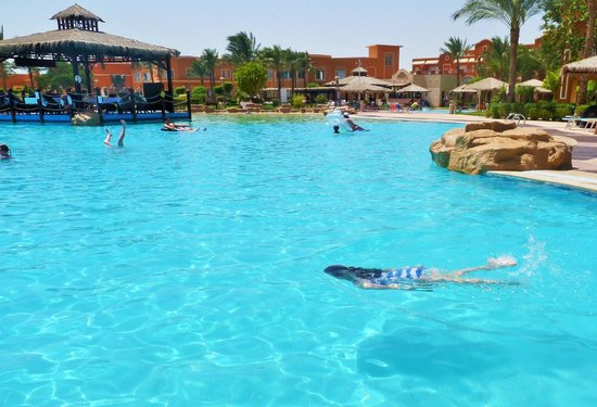 Caribbean World Resorts Soma Bay : one of three large pool best for the  younger  ones