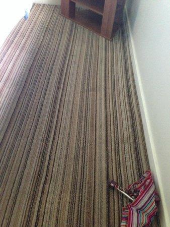 Butlin's Minehead Resort: Dirty carpets