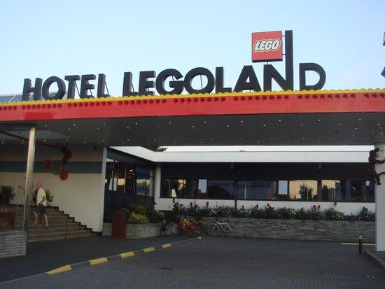 Hotel LEGOLAND: Entrée de l'hôtel Part 1