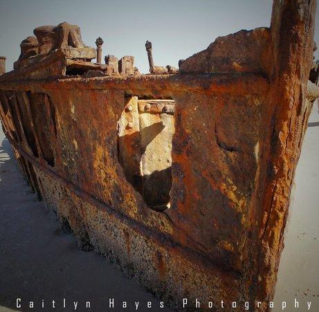 Fraser Explorer Tours: Maheno Wreck