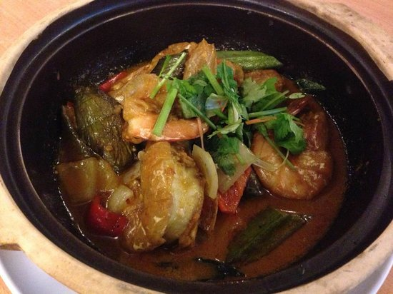 Little Town Seafood Restaurant: curry prawn