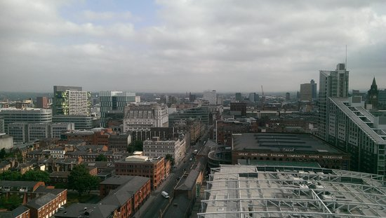 Hilton Manchester Deansgate: Morning view from room