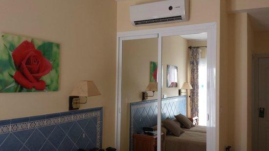 Hotel Puerta del Mar: Habitación