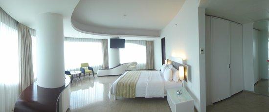 Sensa Hotel: snr exec room