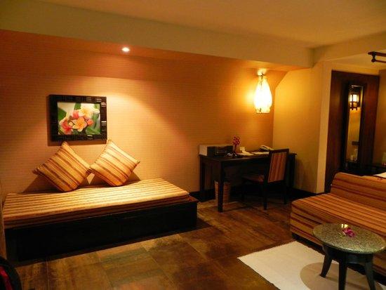 Andaman White Beach Resort : Bedroom