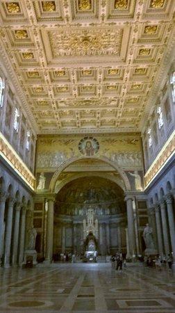 Abbazia di San Paolo fuori le Mura: amazing decor