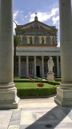 Abbazia di San Paolo fuori le Mura: amazing architecture