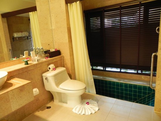 Andaman White Beach Resort : Bathroom
