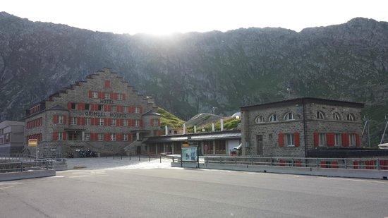 Hotel Grimsel Hospiz: Sonneaufgang auf dem Grimsel