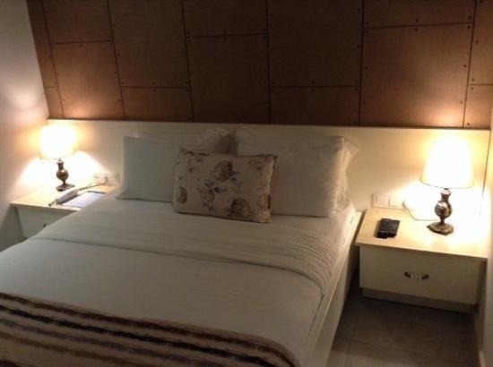 Sea Breeze Apart Hotel: lovely bedroom