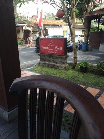 Pondok Pundi Village Inn & Spa: Sign