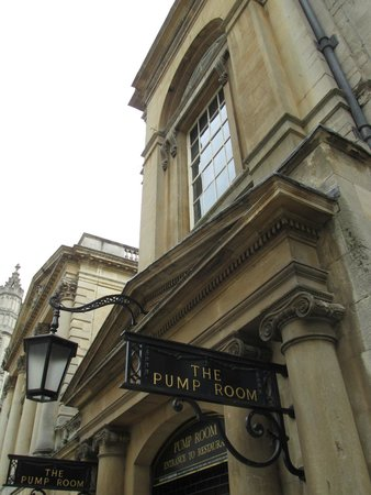 The Pump Room Restaurant: Entrance