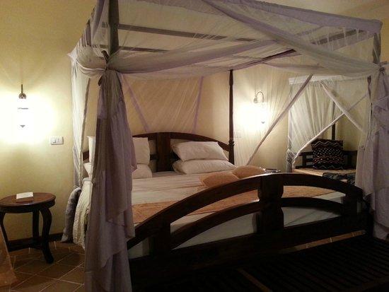 Dongwe Club: letto con zanzariera della nostra stanza