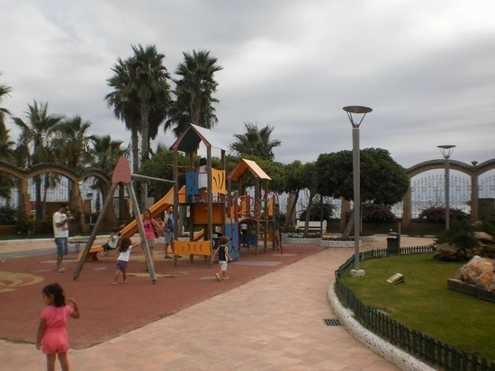 Marina d'Or Apartments: Parks and entertainment areas