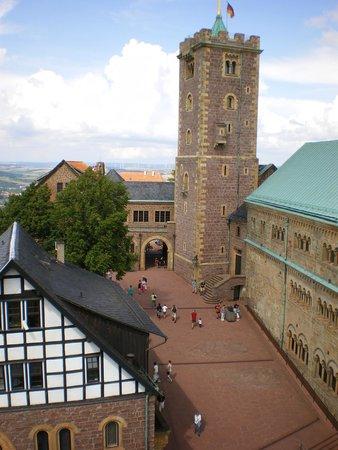 Wartburg Castle: Binnenplaats Wartburg met Noordelijke toren.
