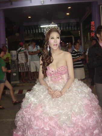 Phuket Simon Cabaret : лапуля