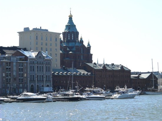 Uspenskin Cathedral (Uspenskin Katedraali): vista dal boat