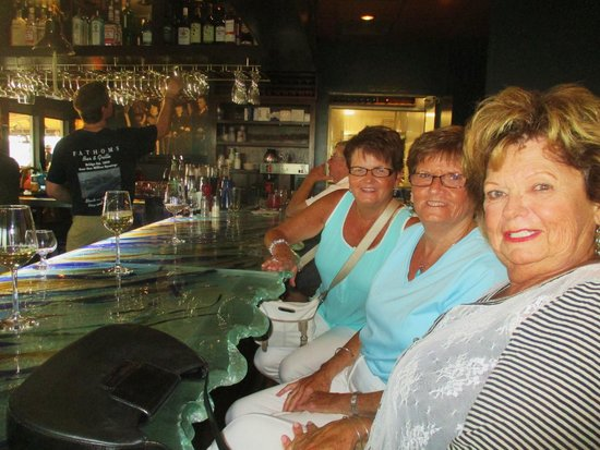 Fathoms Bar and Grille : Celebrating At The Bar