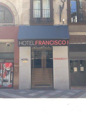 Hotel Francisco I : Entrada al hotel