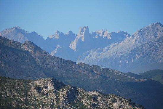 La Montana Magica: El Naranjo de Bulnes (Pico Urriellu)