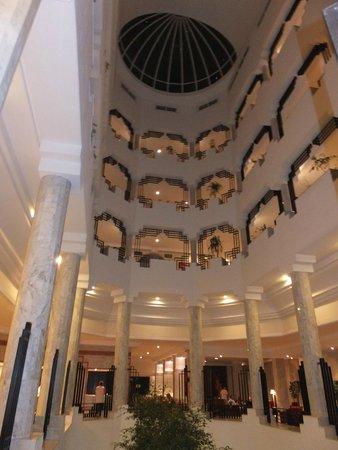 SENTIDO Aziza Beach Golf & Spa: Centre of Hotel