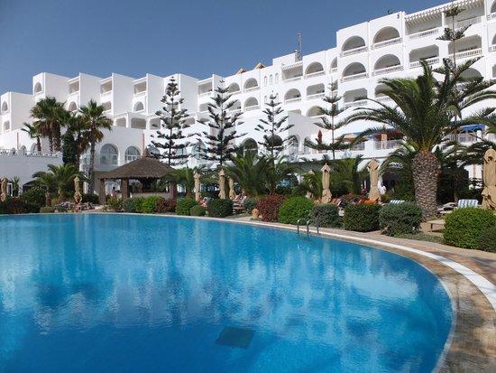 SENTIDO Aziza Beach Golf & Spa: View from pool side