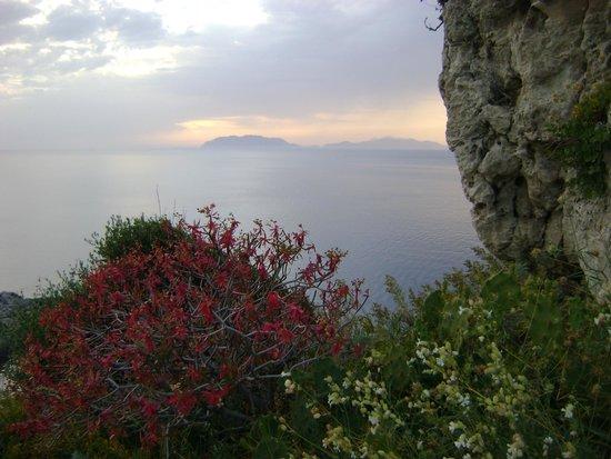 L'Alberghetto B&B: Capo Milazzo e Eolie all'orizzonte