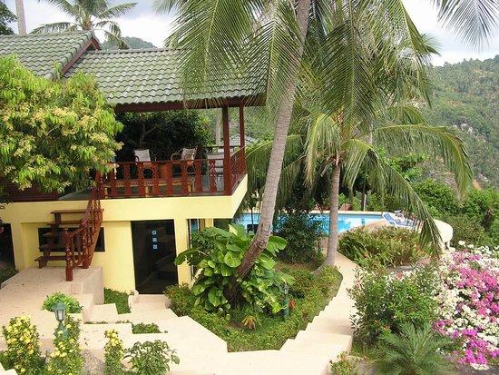 Samui Mountain Village: Villa with garden and pool