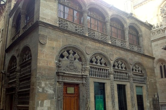 Cathedral and Royal Chapel: The main entrance to the Capilla Real