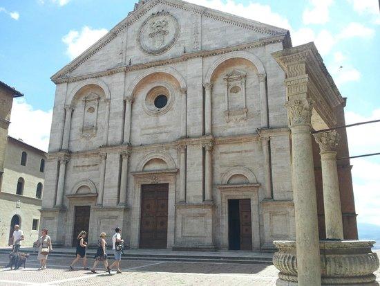 Piazza Pio II: Church