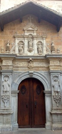 Cathedral and Royal Chapel (Capilla Real) : The highly decorative main portal [not the entrance]