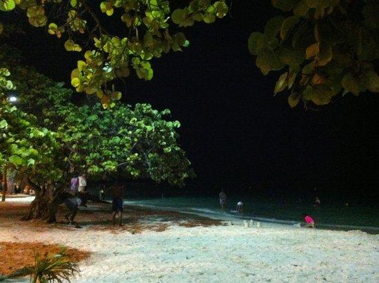 St. Anne Beach: By night