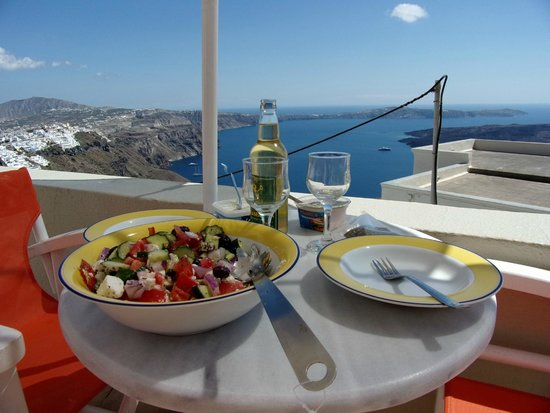 Irini's Villas Resort: Lunch!