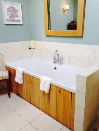 Feversham Arms Hotel & Verbena Spa: Room 33 - spa suite