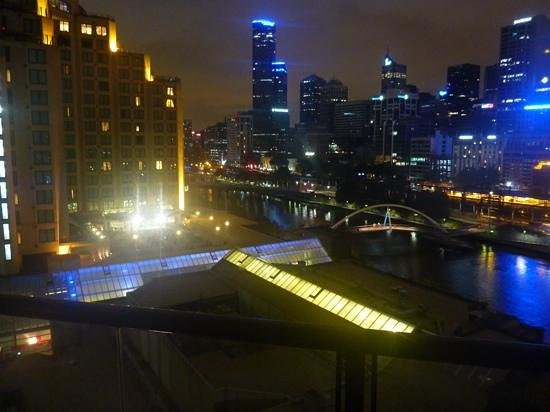 Quay West Suites Melbourne: view from our room��