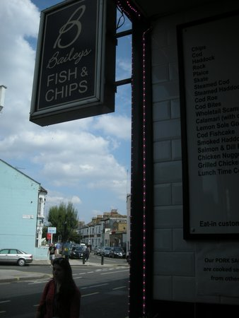 Baileys Fish and Chips: Cartel de la Calle