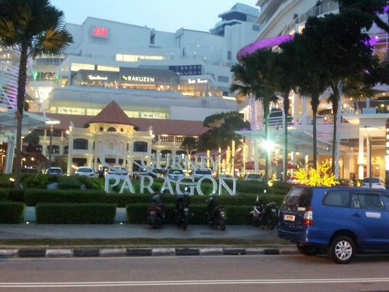 Evergreen Laurel Hotel: shopping mall nearby hotel