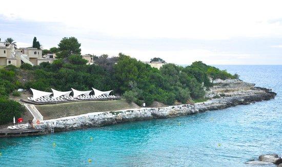 Le Cale d'Otranto Beach Resort : Part of the small bay