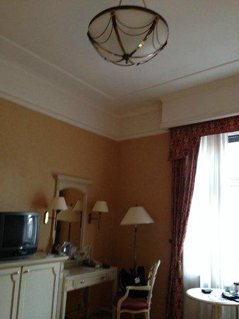 Danubius Hotel Astoria City Center: Our room