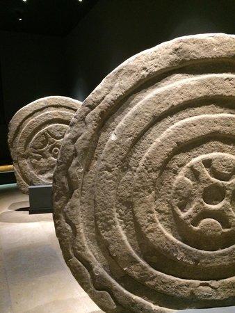 Museo de Prehistoria y Arqueologia de Cantabria: Impresionante y didáctico e interactivo museo
