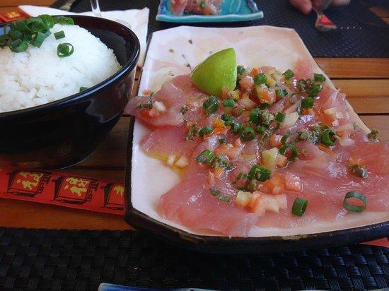 Matira Beach Restaurant : マグロのカルパッチョ・自動的にご飯がついてきます(笑)